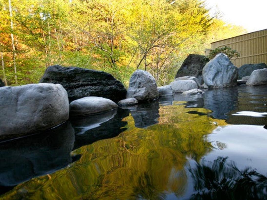 四季で変わる風景こそ露天風呂の醍醐味。