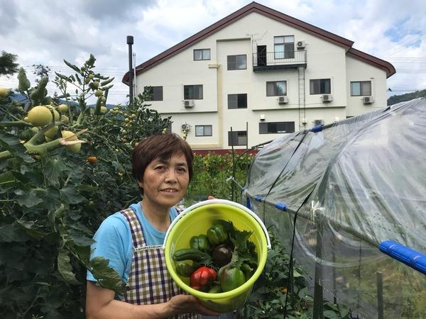 女将と採れたて自家製野菜