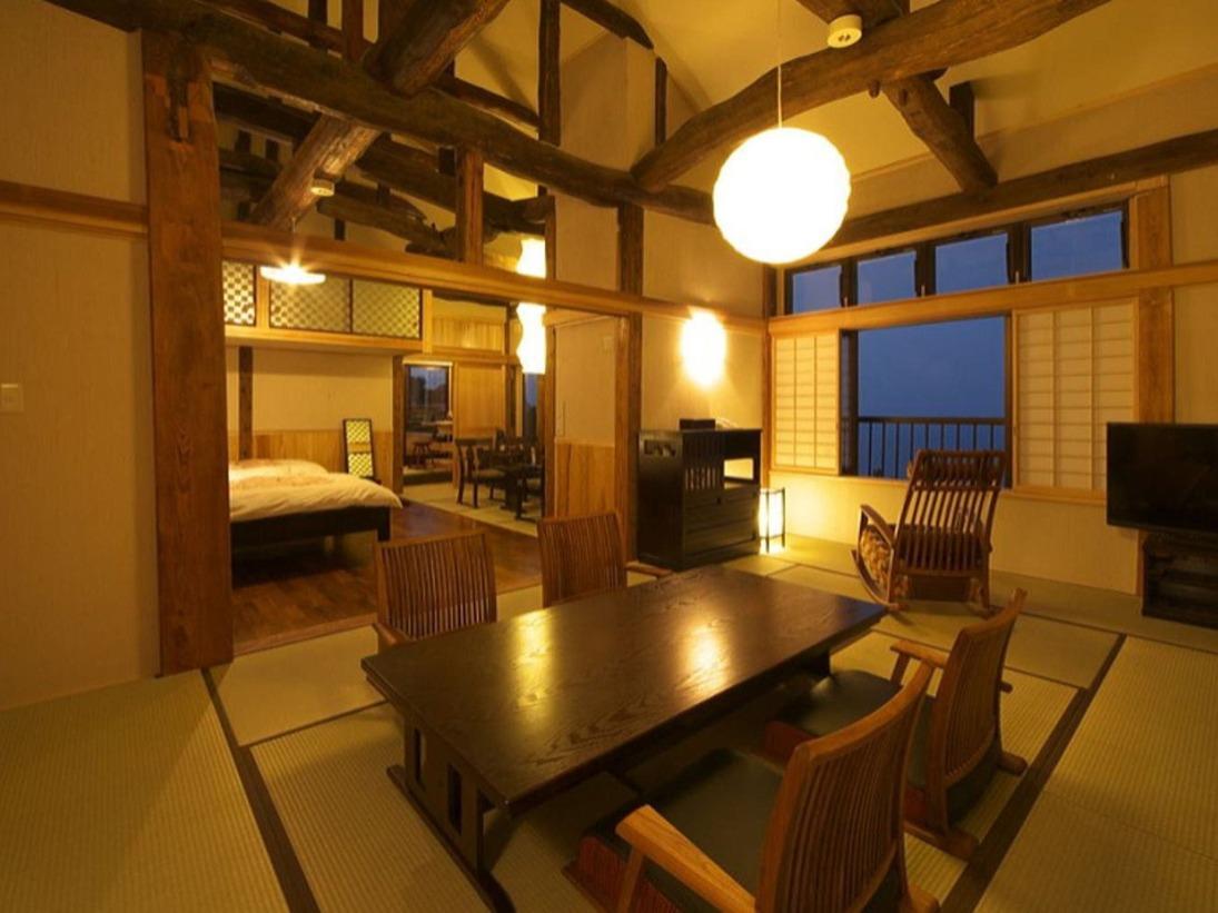 【別邸スイート】かえで 2階 ベッド付 12畳和室 源泉かけ流し露天風呂付客室 オーシャンビュー