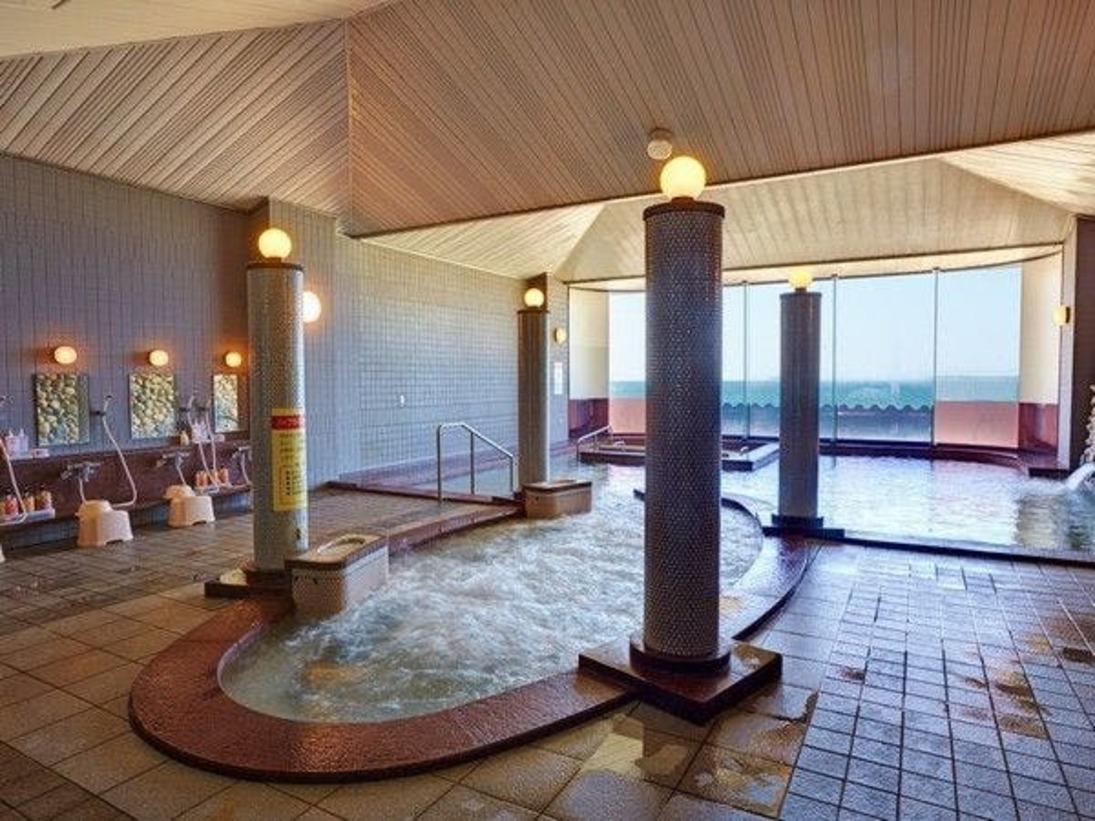 パノラマ展望風呂/菊ヶ浜の景色を見ながらの温泉はまた格別の気持ちよさ