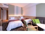 【スタンダードツイン】メインカラーは3種類。ナウリゾートホテルのスタンダードルーム