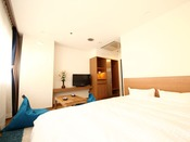 ◆ダブルルーム◆2人でも十分寛げる!ゆったりダブルベッドルームはカップルのお客様に好評です