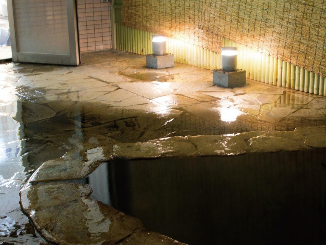 那覇市内で珍しい天然温泉で寛ぐ