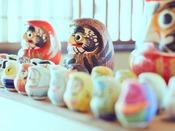 *【日光江戸村(イメージ)】みんなでわいわいダルマ絵付け体験♪