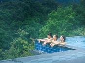 *【おぷーろ(一例)】鬼怒川の絶景を眺める、インフィニティー露天風呂♪