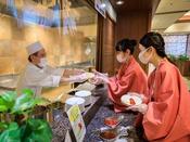 *【朝食バイキング(一例)】オムレツはライブキッチンでご提供♪(コロナ対策もバッチリです!)