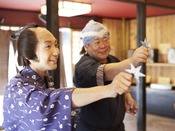 *【日光江戸村(イメージ)】家族やお友達と手裏剣対決をしよう!