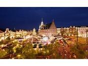 アムステルダム広場では、毎夜楽しいイベントもりだくさん!非日常を味わえる景色とともにお楽しみください。