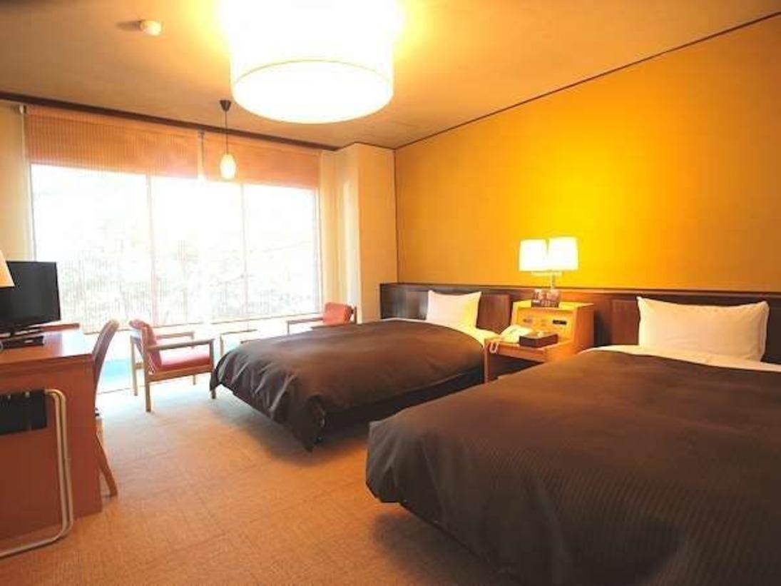 【プレミアムツイン】最大の特徴はお部屋の広さと眺望!リニューアルしたばかりの綺麗なお部屋です♪
