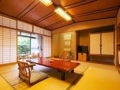和室10帖イメージ。日本家屋の木の温もりに包まれた落ち着きがございます。 全13室