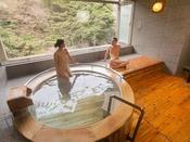【貸切風呂・檜】檜の香りと温泉で心も体も癒されて。