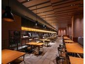 3階 Dining BRICKSIDE約100種類の料理が楽しめるブッフェは、人と人が食を楽しいながら共感する空間。【営業時間】  朝食バイキング    6:30~10:30(最終入店 10:00)  ディナーバイキング 17:00~22:00(最終入店 21:00)