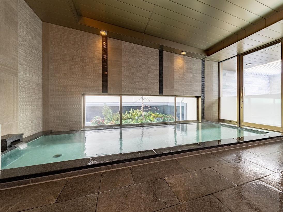 最上階に露天付き大浴場完備