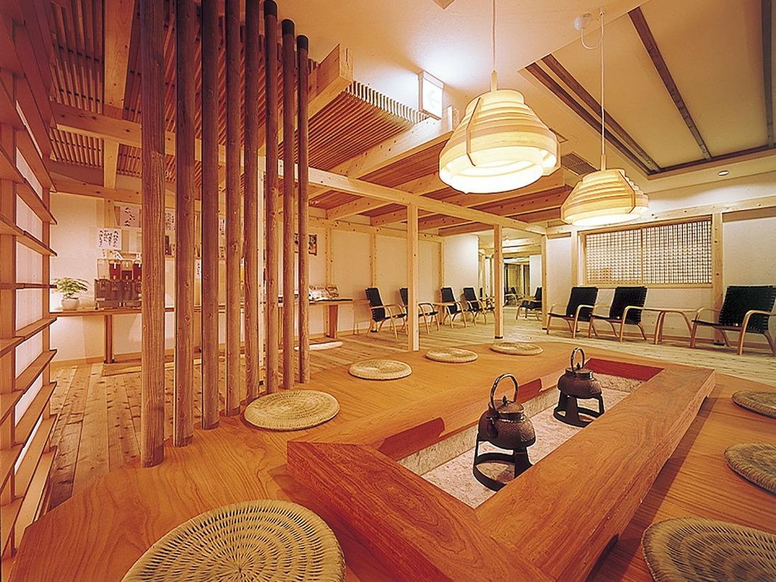 三河産杉を使用した湯上りサロン