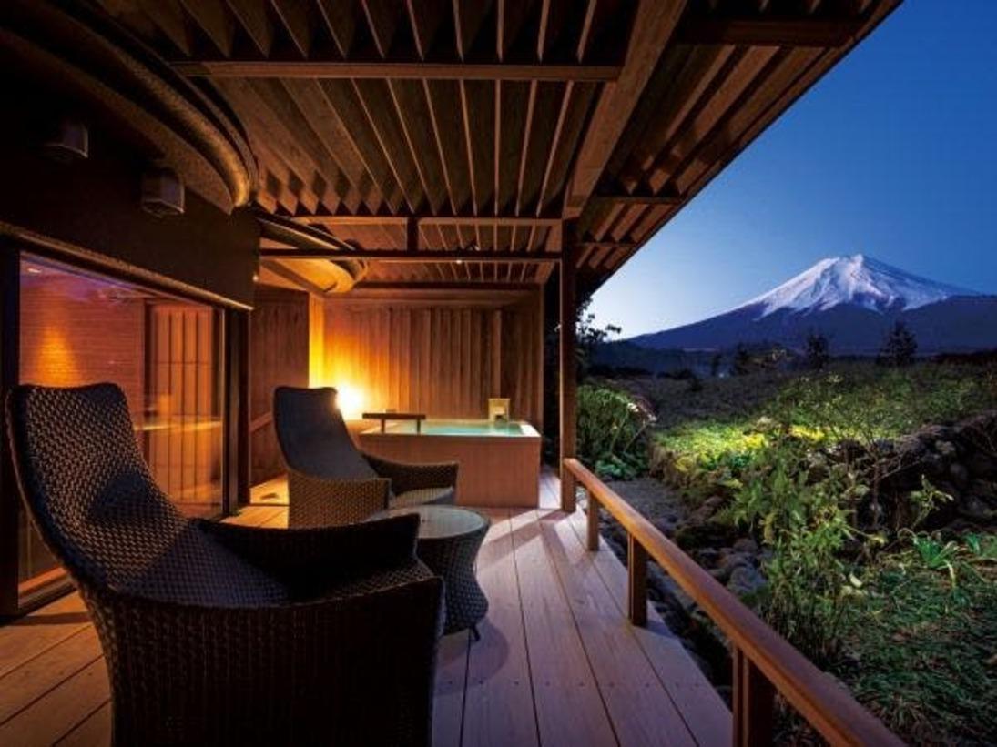 福地Aタイプ/富士と対座する温泉露天風呂(写真は445号室デッキテラス付き)