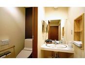 洗面スペースとトイレが独立しており、使い勝手が良い。