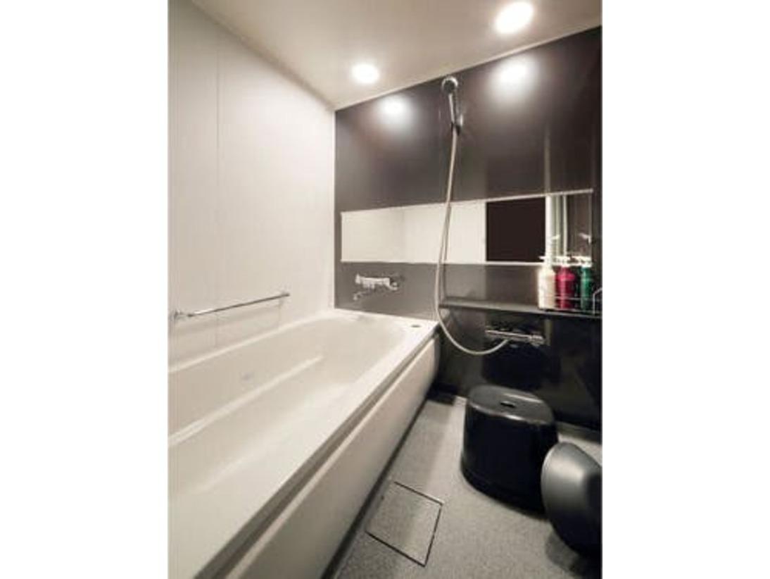 洗い場を備えた、広々バスルーム
