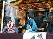 【知立まつり】文楽を山車の上で上演するのは日本の中でも知立だけ。知立まつり当日は、当ホテルの横の道を山車が練り歩き、華やかな山車や担ぎ上げの様子を間近で見ることができ、毎年多くの人で賑わいます。