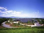 「滋賀県立近代美術館」小倉遊亀の滋賀ゆかりの美術品/車で25分、JR・バス利用で20分