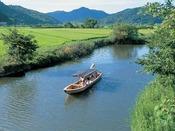 「近江八幡水郷めぐり」屋形船に揺られて琵琶湖最大の内湖をめぐる/車・名神利用で52分