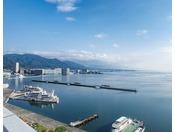 日本最大の湖、琵琶湖が全てのお部屋から一望できるロケーション
