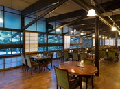 ゆったりとした空間で楽しむ大人のディナー