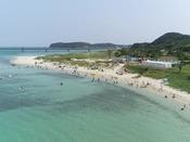 夏オープンの海水浴は角島大橋の目の前!コバルトブルーの海を満喫!