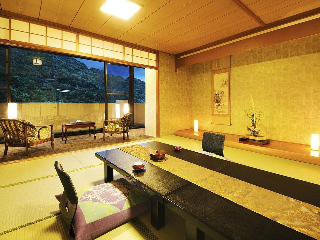 """◆最上階和室◆目の前に広がる""""絶景""""はあなただけのもの。大切な人とゆっくりお過ごしください"""