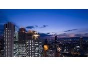 高層階のお部屋からは、大阪市内のキラキラ輝く夜景が一望!
