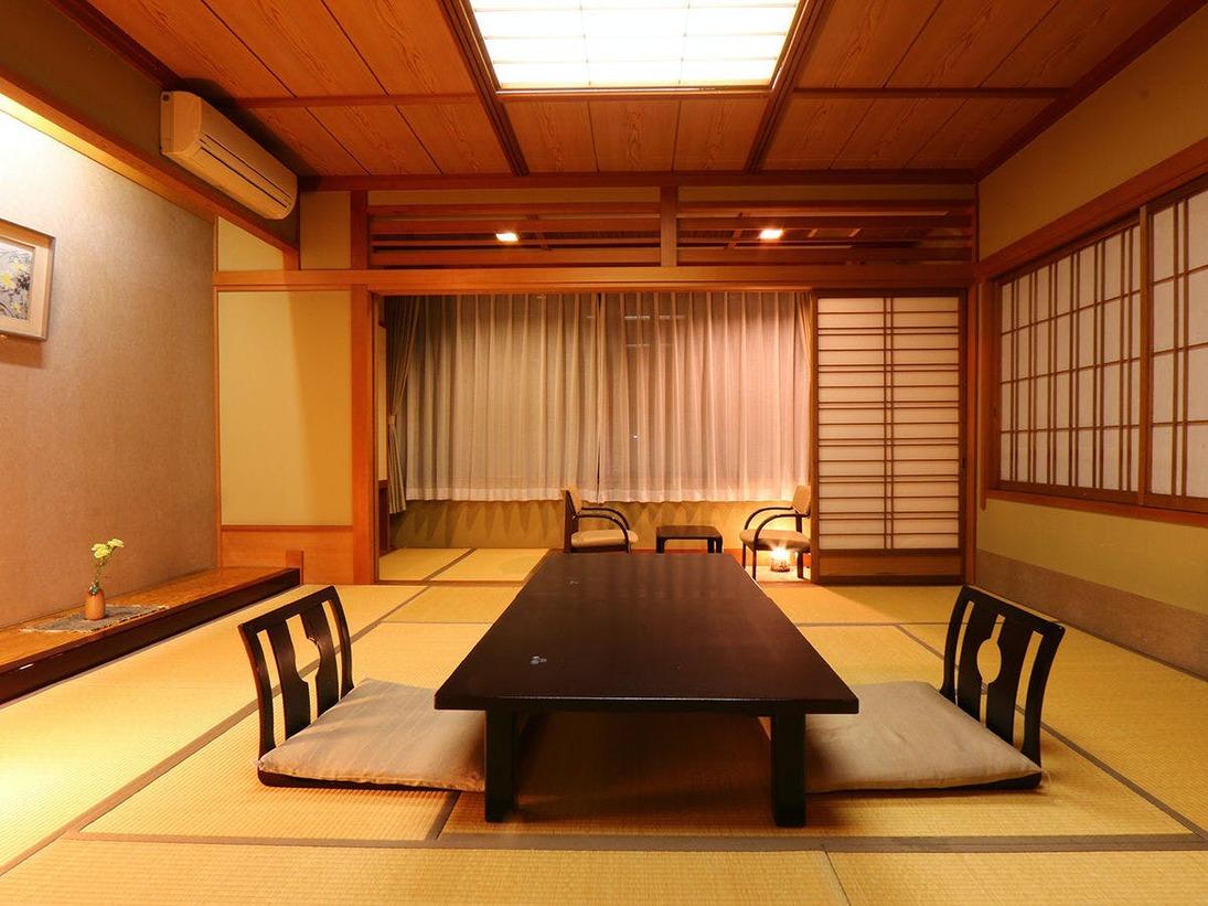 *和室12畳◆静かな夜に快適にお寛ぎください。