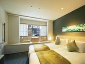 スタンダードツインの内2室のみ!お部屋に段差があるタイプ♪♪座椅子に座りながら京都の街中をご覧いただけます。こちらのお部屋ご希望の場合は和邸フロントまで!!