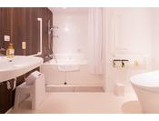 バリアフリーダブルルームの浴室(^^♪広々としていて使いやすいです◎