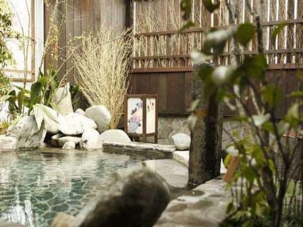 【霧桜の湯】女性大浴場(露天風呂)