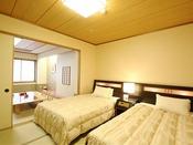 10畳+ベッド付8畳 特別和室【 華やぎ 】