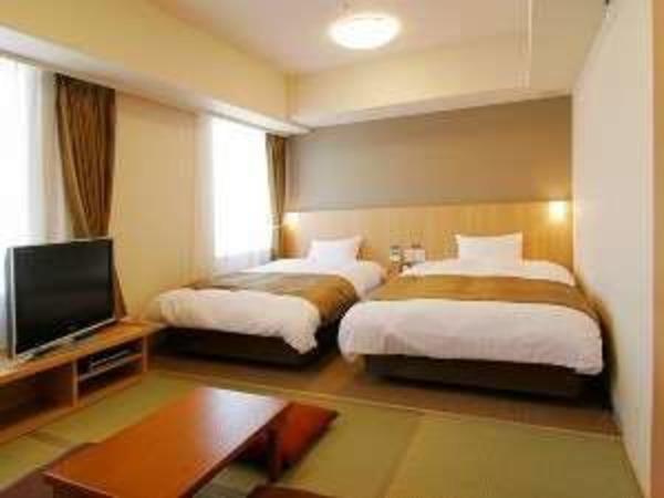 【和洋室】ベッド2台+畳スペース4.5畳