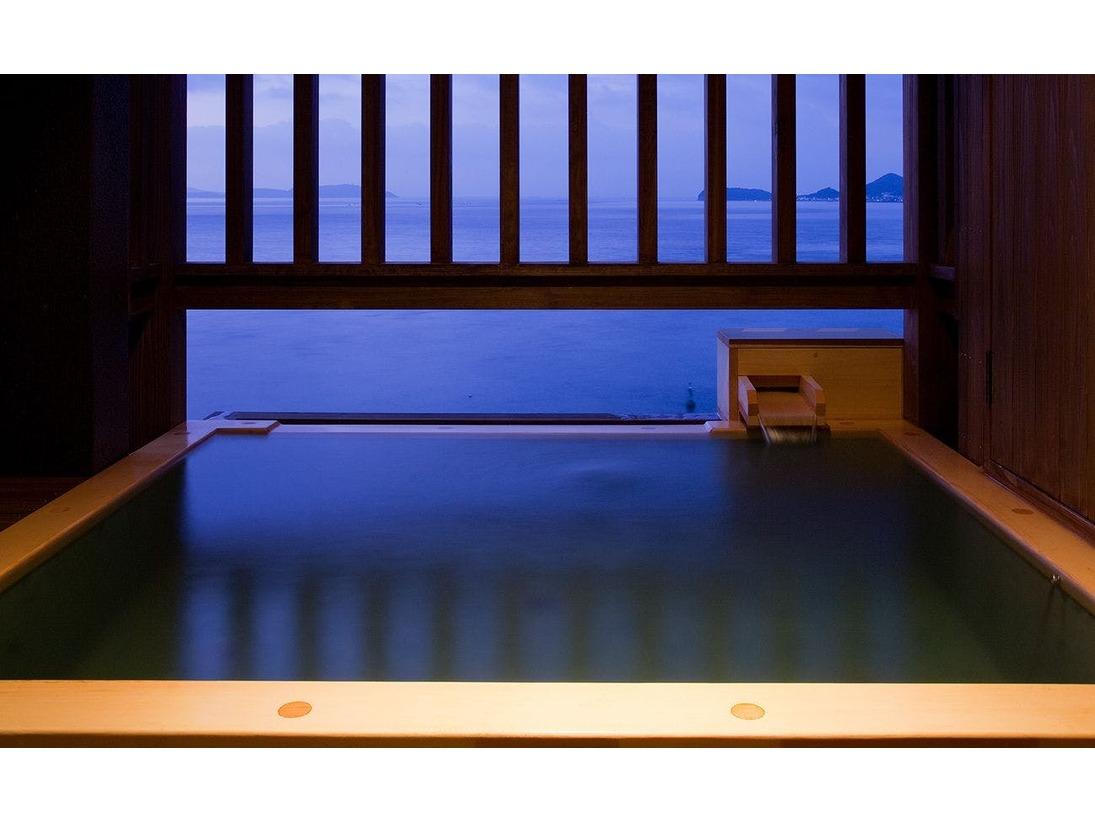 露天風呂付和洋室【波瑠香】露天風呂
