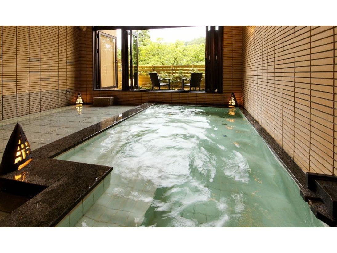 別邸-神楽-■貸切露天風呂■包み込まれるようなまろやかな温泉。