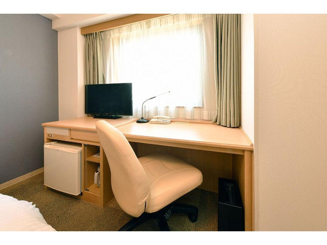 明るく広々とした客室はビジネス利用に最適です☆