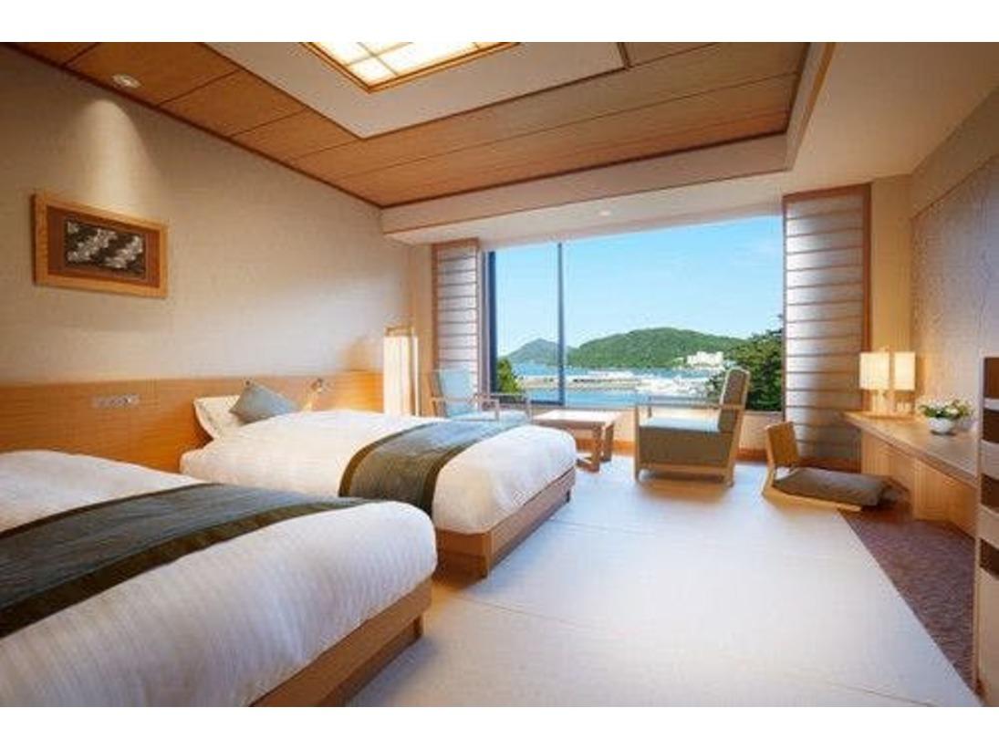 潮路亭の和モダンツインの寝具を一新!京都の有名老舗旅館の布団を手掛けている大手寝具メーカー「株式会社丸八ホールディングス」と、こだわりぬいて共同開発した高級寝具により、布団ならではの良さを再発見できる「至福の眠り」を体感していただけます。