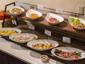 【創作イタリアン】ローストビーフやカルパッチョなどの定番料理もご用意しております。