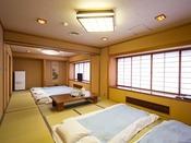 ■和室(10+10畳):木のぬくもりがあたたかい落ち着きのある和室10+10畳のお部屋です。