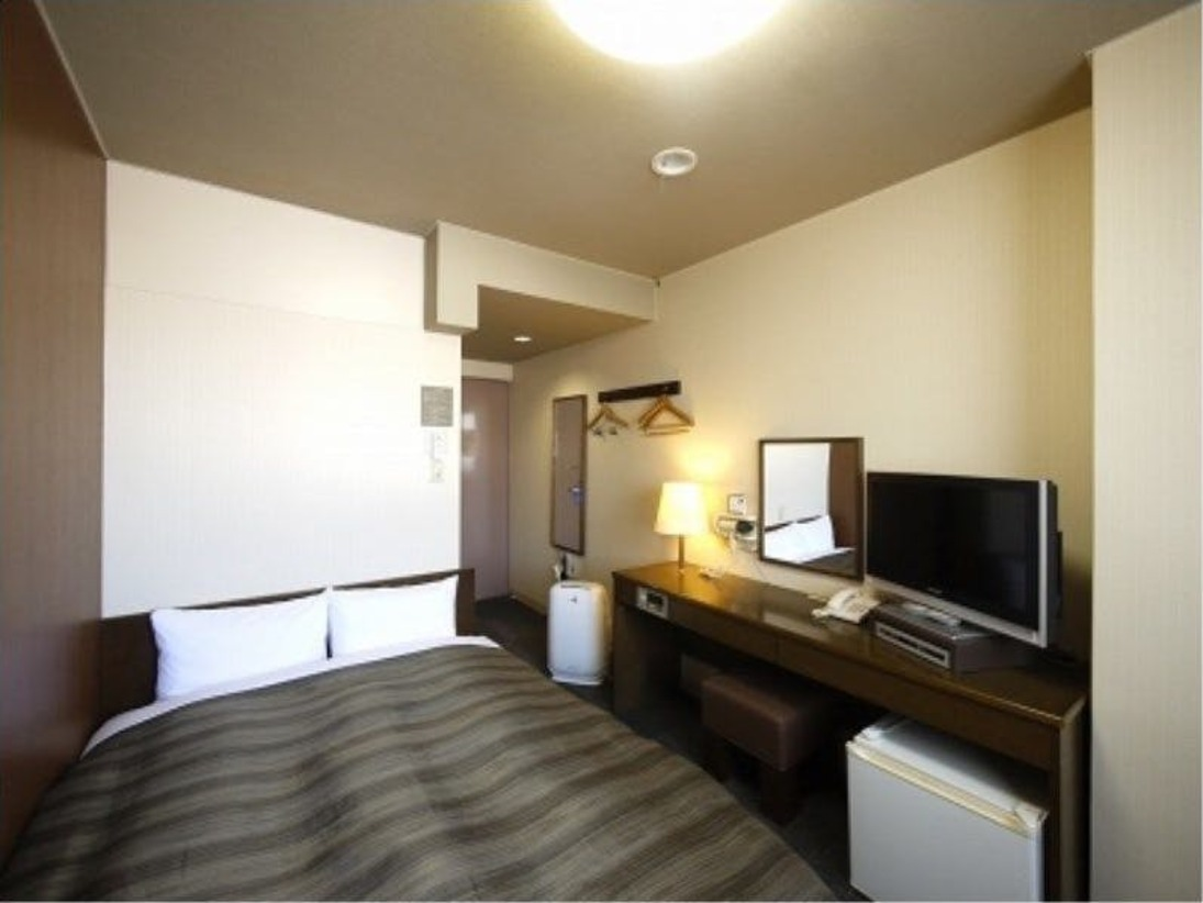 ダブルルーム:無料Wi-Fi、加湿機能付空気清浄器、液晶TV完備!
