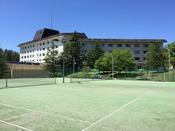 *【テニス】高原の爽やかな風に当たりながら楽しめるテニスコート(4月下旬~11月)