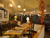 *【中国料理 上海】マウンテンリゾートのカジュアルな店内。ランチも営業。