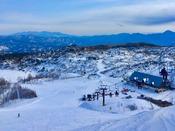 *【草津温泉スキー場】ホテルからゲレンデへは無料シャトルバスで約1分。