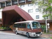 *ホテルと湯畑、バスターミナルを結ぶ無料シャトルバス