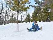 【雪あそび広場】ホテル敷地内で楽しい雪あそび