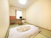 【6畳和室】心安らぐ畳のお部屋でゆっくりお寛ぎ頂けます