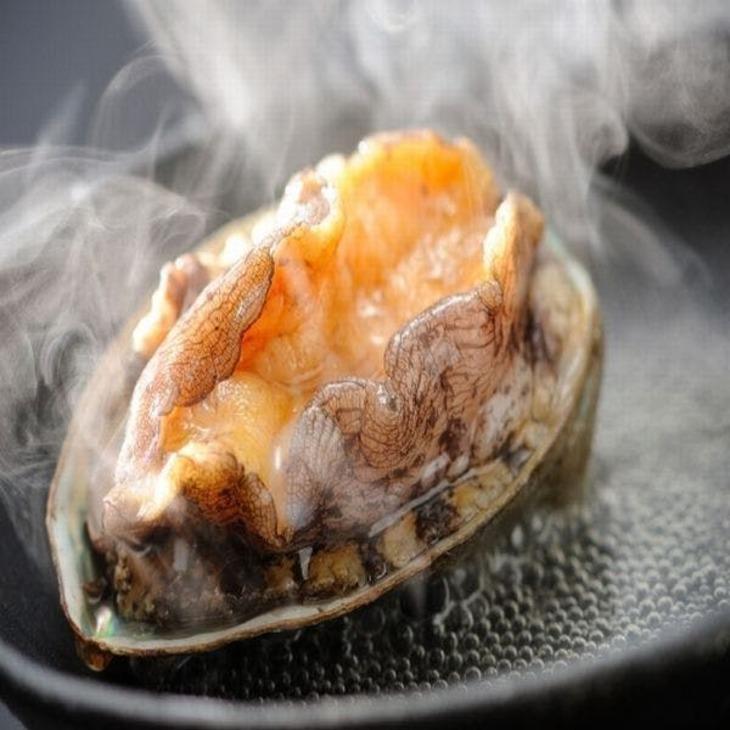 【Tポイント1%】【南館海側和室おてごろプラン】ご夕食は「鮑の踊り焼」が丸ごと1個付いちゃう海鮮御膳!