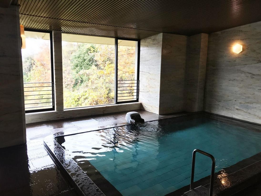 サウナ付き大浴場は雄大な自然を望む、最高の癒しの空間